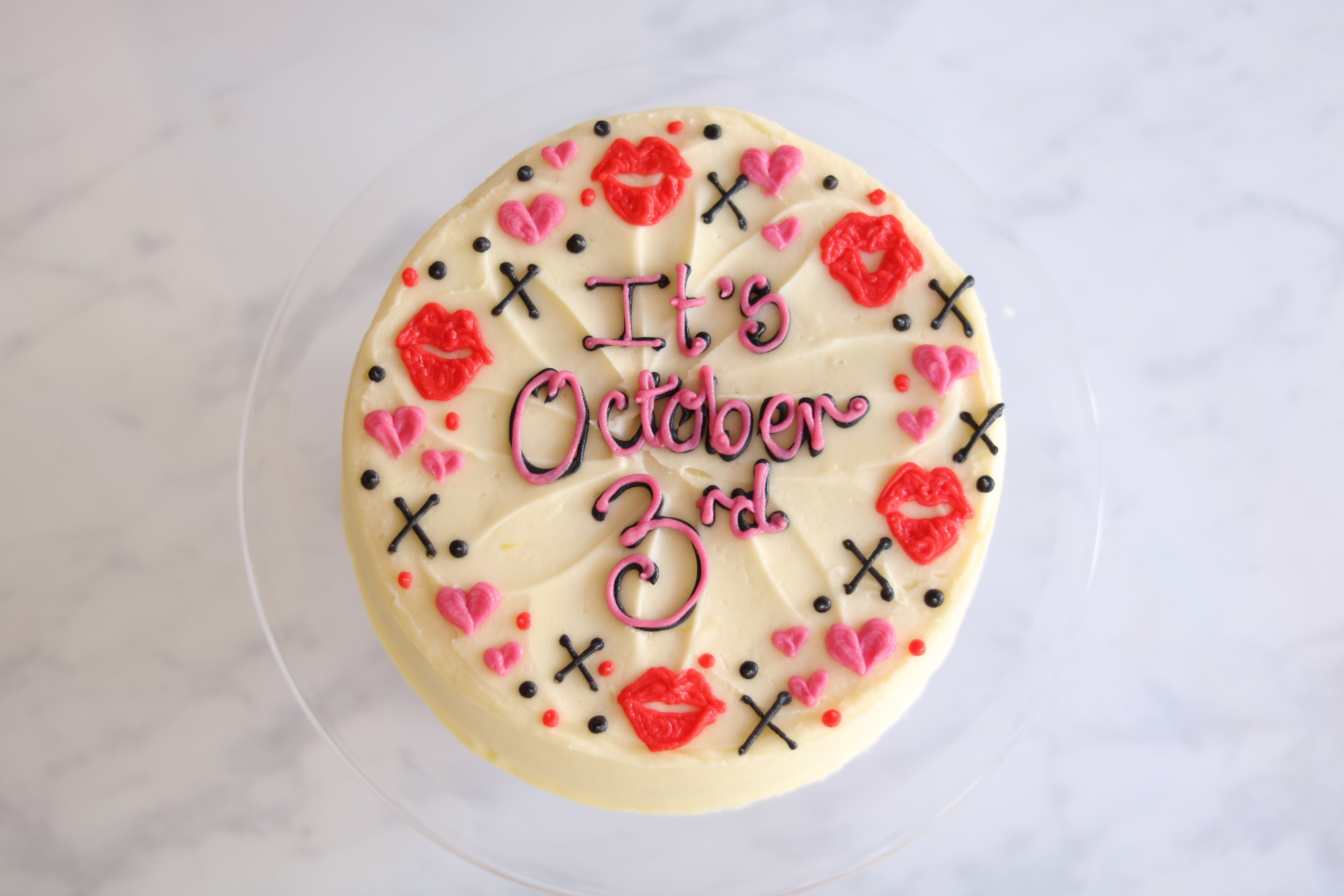 personalised cakes mean girls