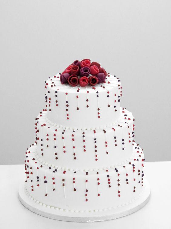 bespoke cakes roses wedding cake