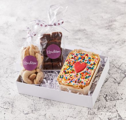 Ace of Cake Treats Box