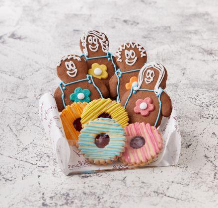 Flower Power Gingerbread & Jammy Dodger's Gift Box