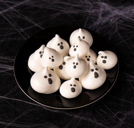 Blobby Meringue Ghosts