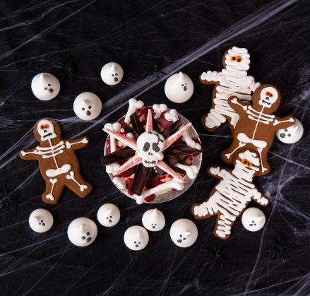 Halloween Skull Cake & Treats Extravaganza