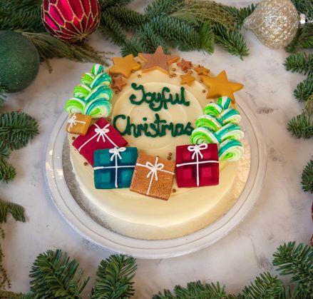 Joyful Christmas Cake