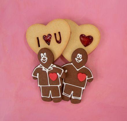 Lovers' Delight - 2 Gingerbread Men & Jammy Dodgers