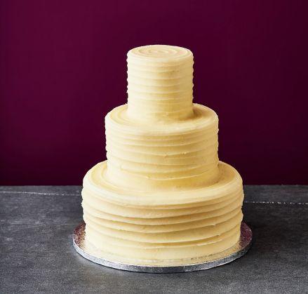 classic look wedding cake personalise