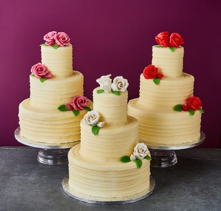 roses wedding cakes classic look